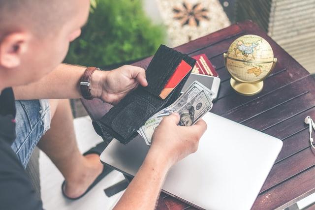 Wciąż za dużo wydajesz? Zobacz, jak ogarnąć swoje finanse!