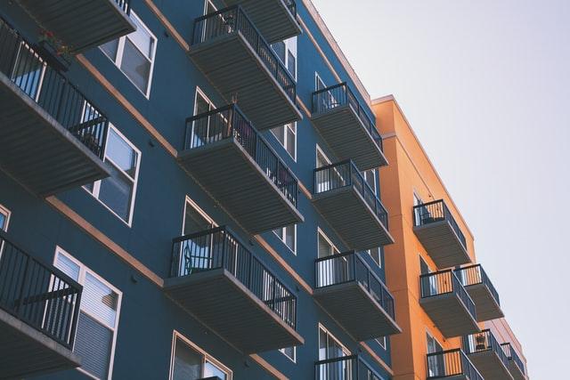 Coraz mniej mieszkań na rynku deweloperskim. Polacy kupują na potęgę!